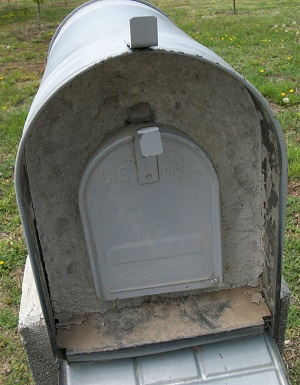 Concrete currounded mailbox